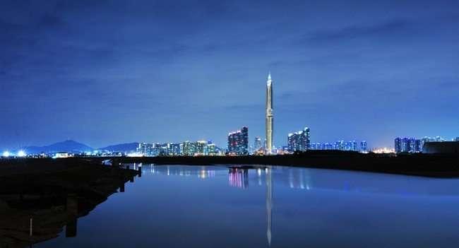 Первый в мире «невидимый» небоскреб Infinity Tower (7 фото)