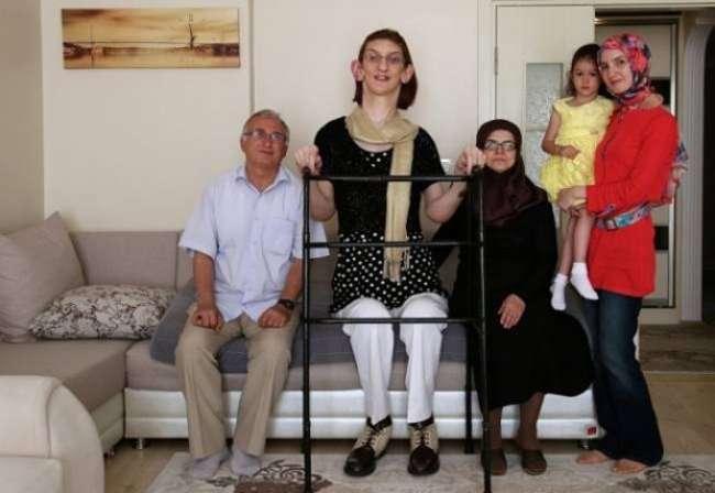 Самая высокая девушка в мире (8 фото)