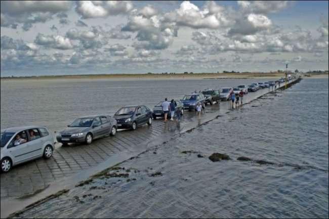 Пассаж дю Гуа - дорога, которая тонет 2 раза в день (7 фото)