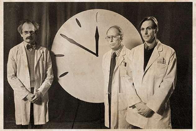 Часы Судного дня (2 фото)