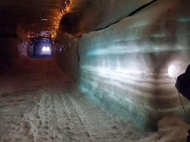 Исландский ледник в скором времени превратится в туристический городок (16 фото)