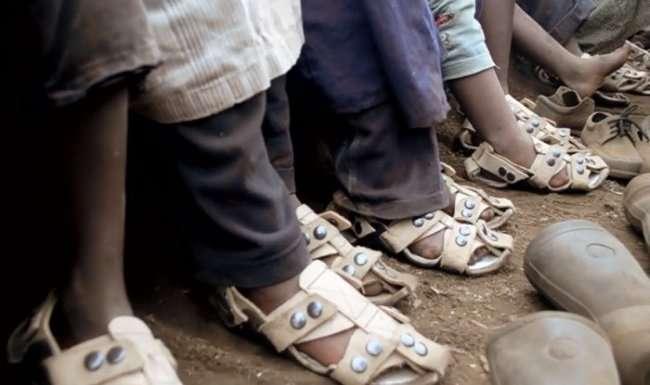 Обувь, которая растет вместе с человеком (5 фото)