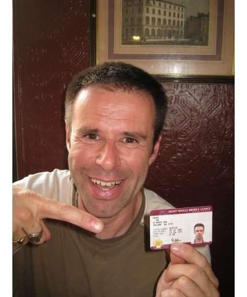 Йен Ашер, который продал свою неудачную жизнь (15 фото)