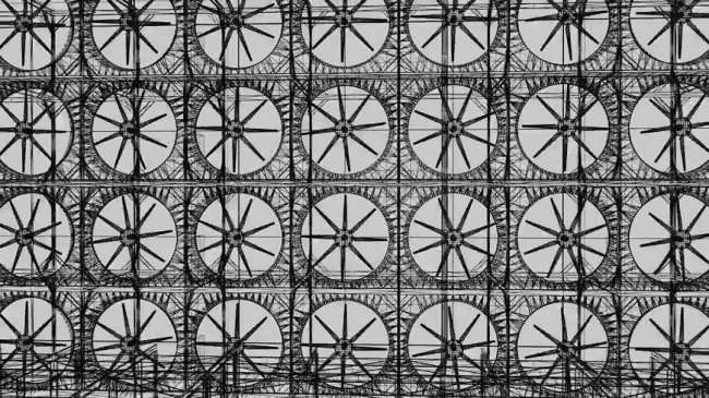 Огромная стена из вентиляторов, превращающая углекислый газ в синтетическое топливо (3 фото + видео)