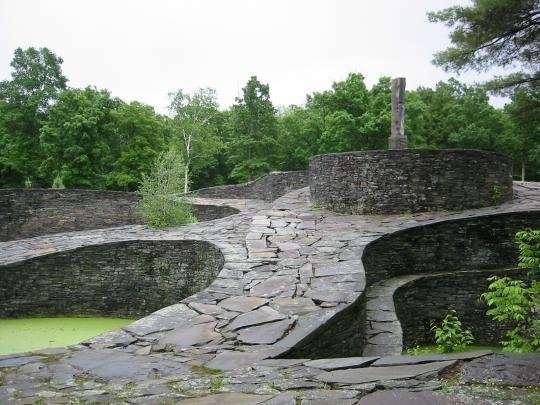 Один в поле (храмы, построенные собственноручно) - (26 фото)