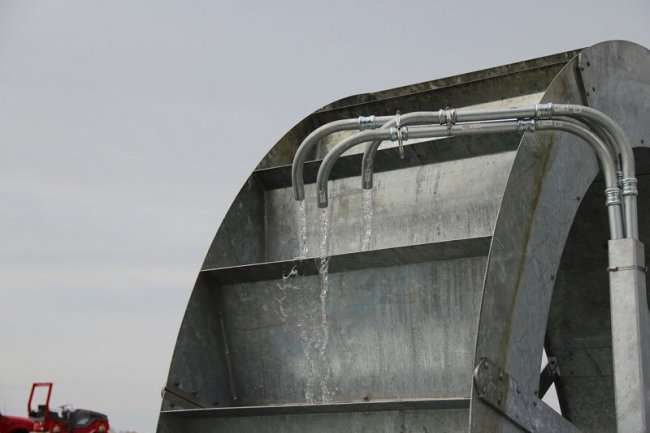 """Мистер Хлам"" - водяное колесо для очистки гавани (14 фото + 3 видео)"