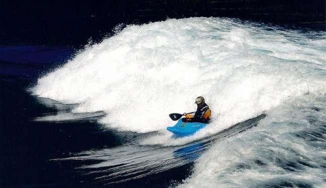Удивительнейшие водовороты мира (10 фото)