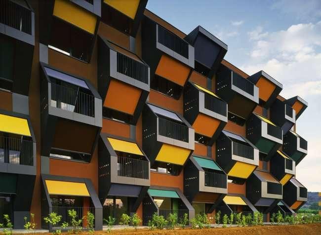 Самые оригинальные балконы в мире (8 фото)