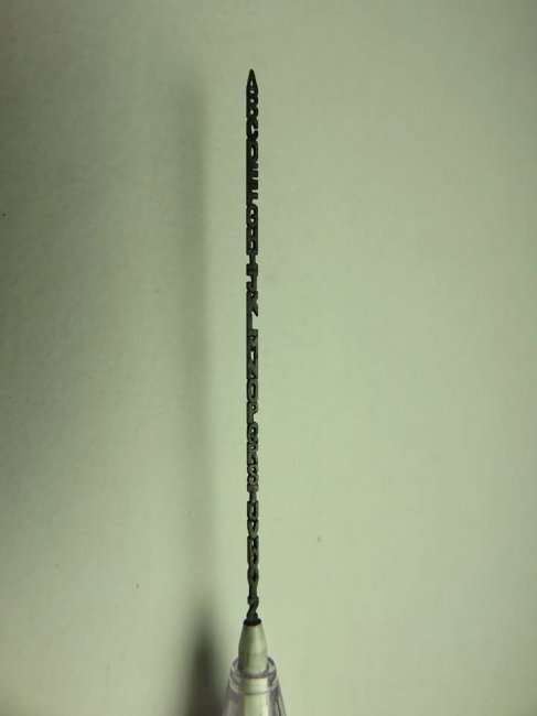 Алфавит, вырезанный из карандаша (12 фото)