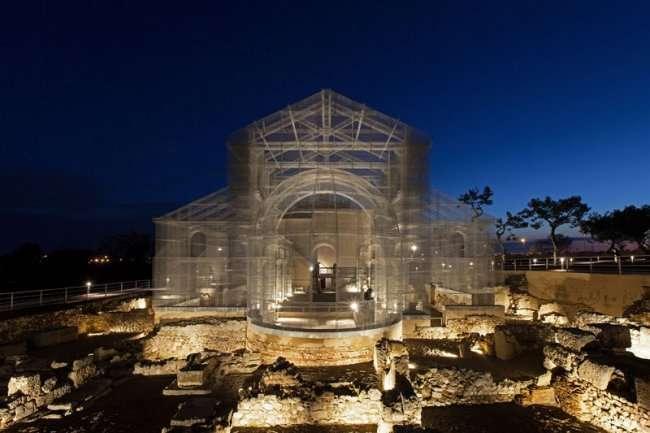 Христианский базилик 6 века из проволоки от Эдоардо Тресольди (12 фото)