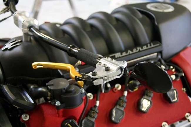 Мотоцикл с двигателем от Мазерати (10 фото)