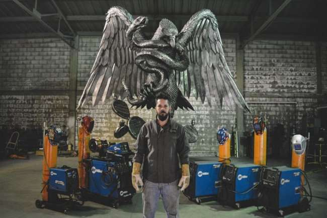 Скульптуры от Дэвида Мадеро из металла (14 фото + 2 видео)