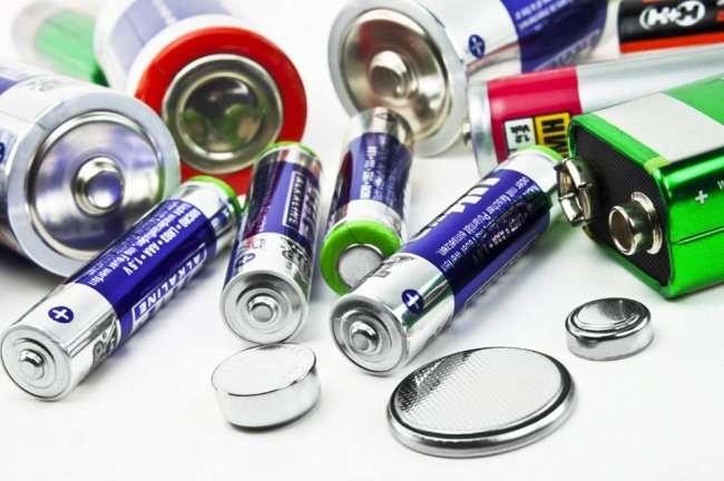 6 предметов, которые нельзя выбрасывать в мусорное ведро