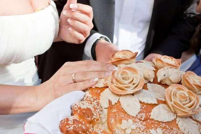 Необычные свадебные традиции мира (9 фото)
