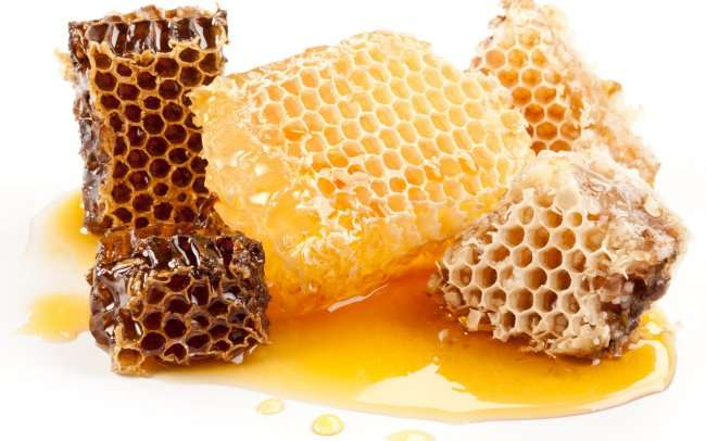 Интересные факты, связанные с медом, его добычей и продажей (4 фото)