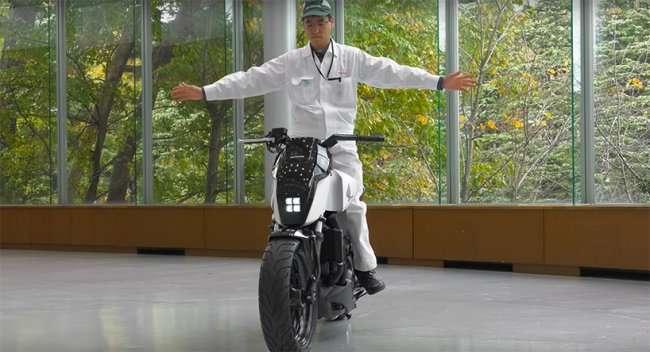 Cамобалансирующий байк от Honda (5 фото + видео)