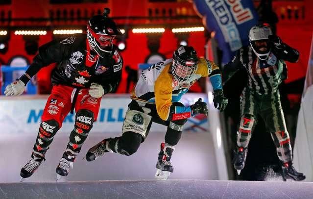 Ледовый даунхилл - экстрим на коньках (13 фото)