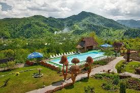Готелі з басейном в Карпатах: топ-15 альтернатив відпочинку на морі